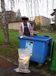 MP Děčín - krádež papíru z kontejneru